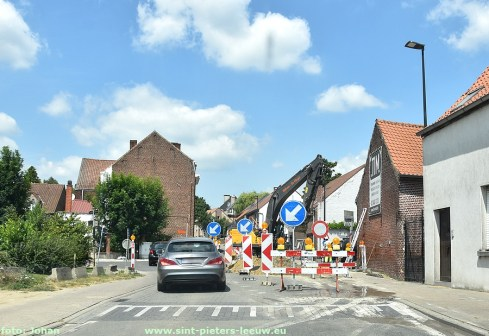 2019-07-09-wegenwerken-kruispunt_v-Nonnemansstraat_Hoogstraat