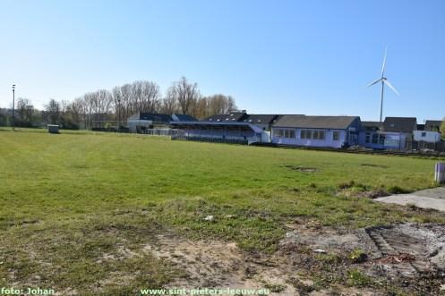 2021-04-26-gras-voetbalveld_FC_Negenmanneke_01