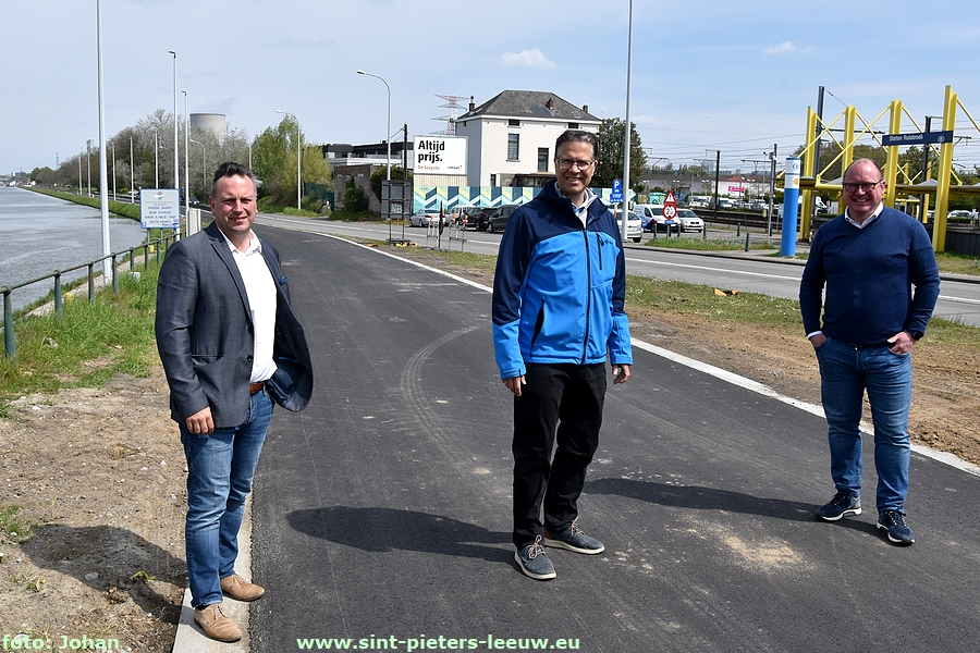 Fietssnelweg F20 in Ruisbroek te Sint-Pieters-Leeuw
