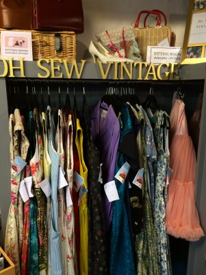 Vintage clothes and accessories by Oh Sew Vintage
