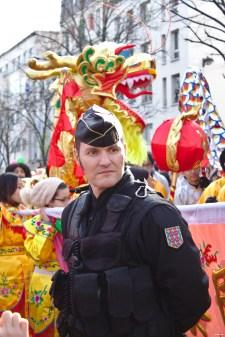 Nouvel An chinois (Paris, 1er février 2015) - La tête du défilé, juste après les officiels, sous haute protection policière à la suite des attentats de janvier