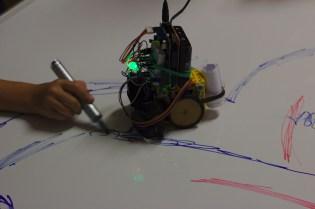 """Fête de la science, LRI, 2016 : atelier """"Construire un robot"""" (Nicolas Thiéry)"""