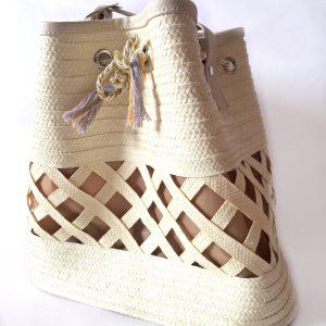 Mochila artesanal con cañaflecha