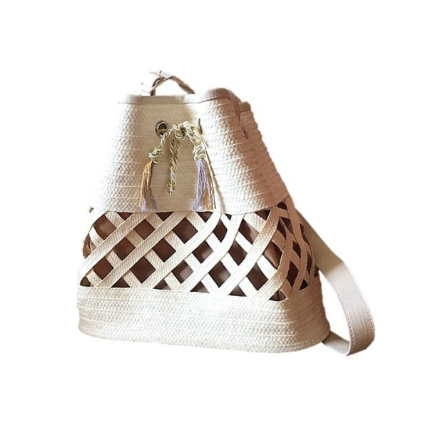 Mochila artesanal con cañaflecha color crudo TLO301