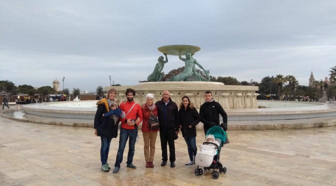 Malta, en familia, con bebes.