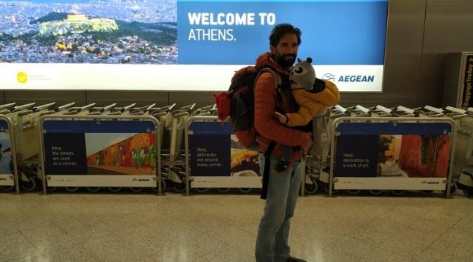 Primeras pinceladas de Atenas con bebe, transporte y oficina de Turismo.
