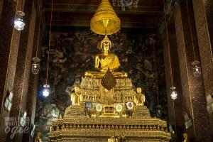Inside Wat Pho