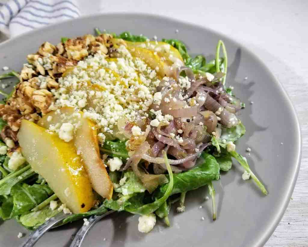 Arugula Salad with Pear and Gorgonzola