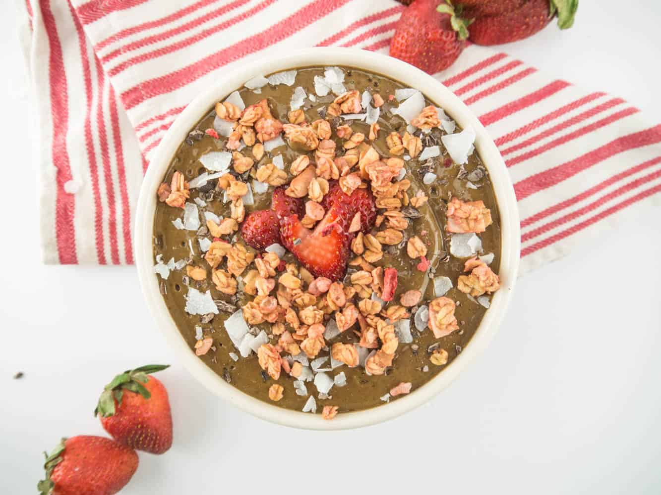Chocolate-Covered Strawberry Smoothie Bowl
