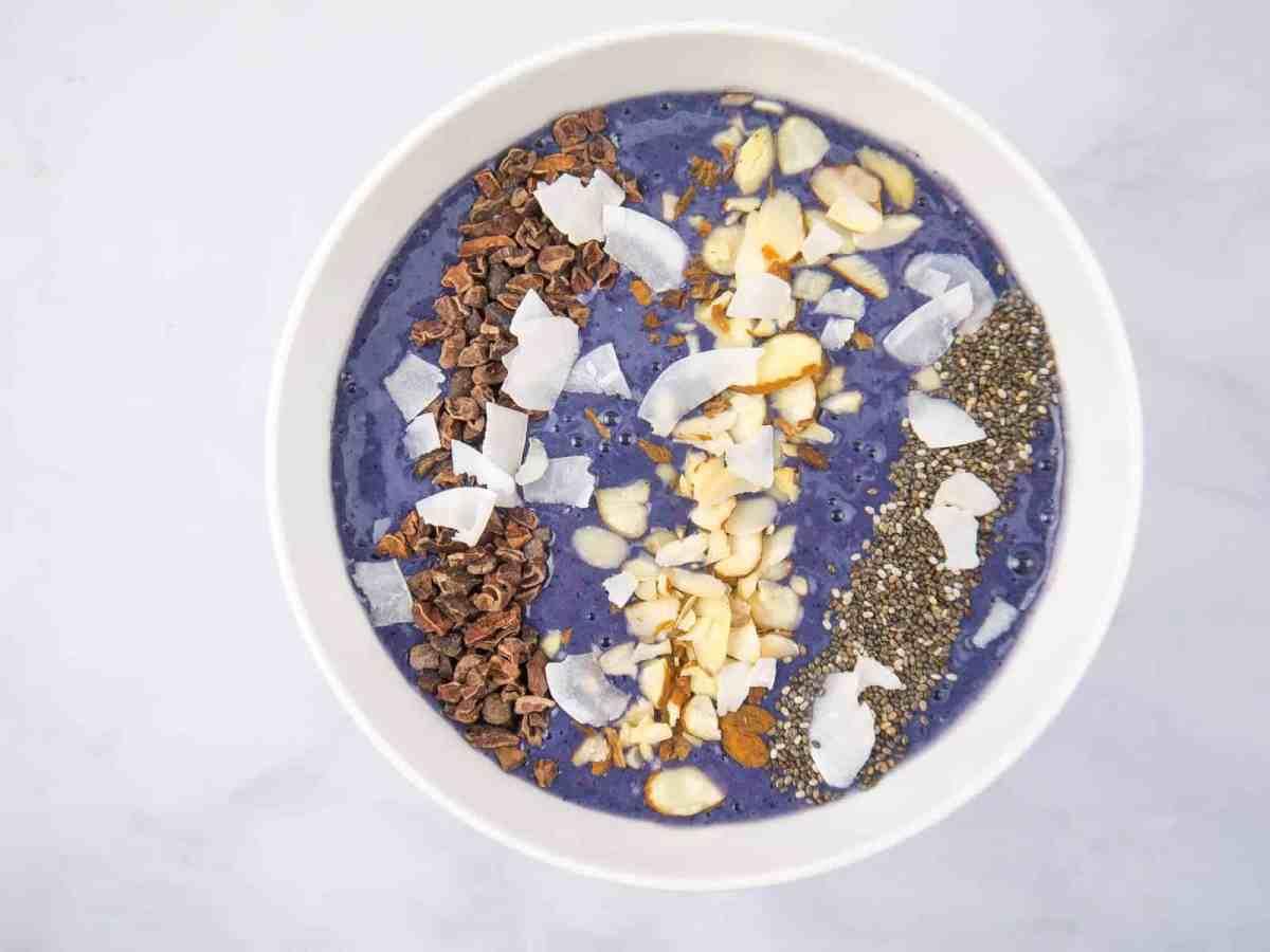Blueberry Cinnamon Smoothie Bowl