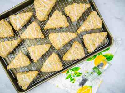 Vegan Lemon Poppy Seed Scones | Sip + Spice #vegan #breakfast