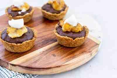 Vegan Chocolate Banana Tarts | Sip and Spice