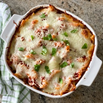 Cheesy Baked Rigatoni With Ground Beef