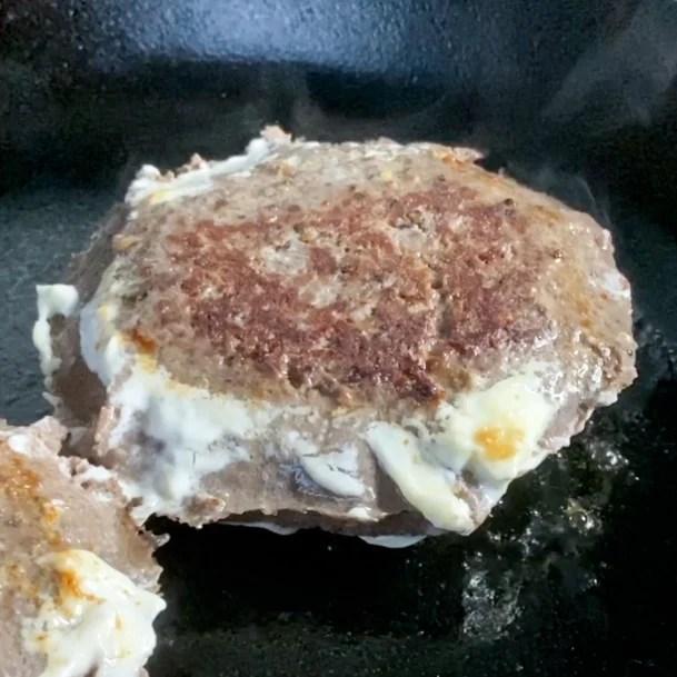 mayo searing a sous vide hamburger