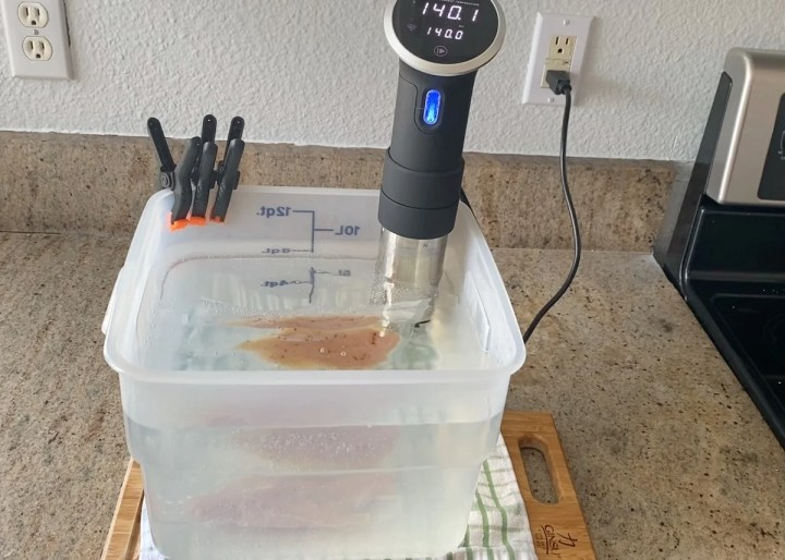 sous vide cooking chicken breast from frozen
