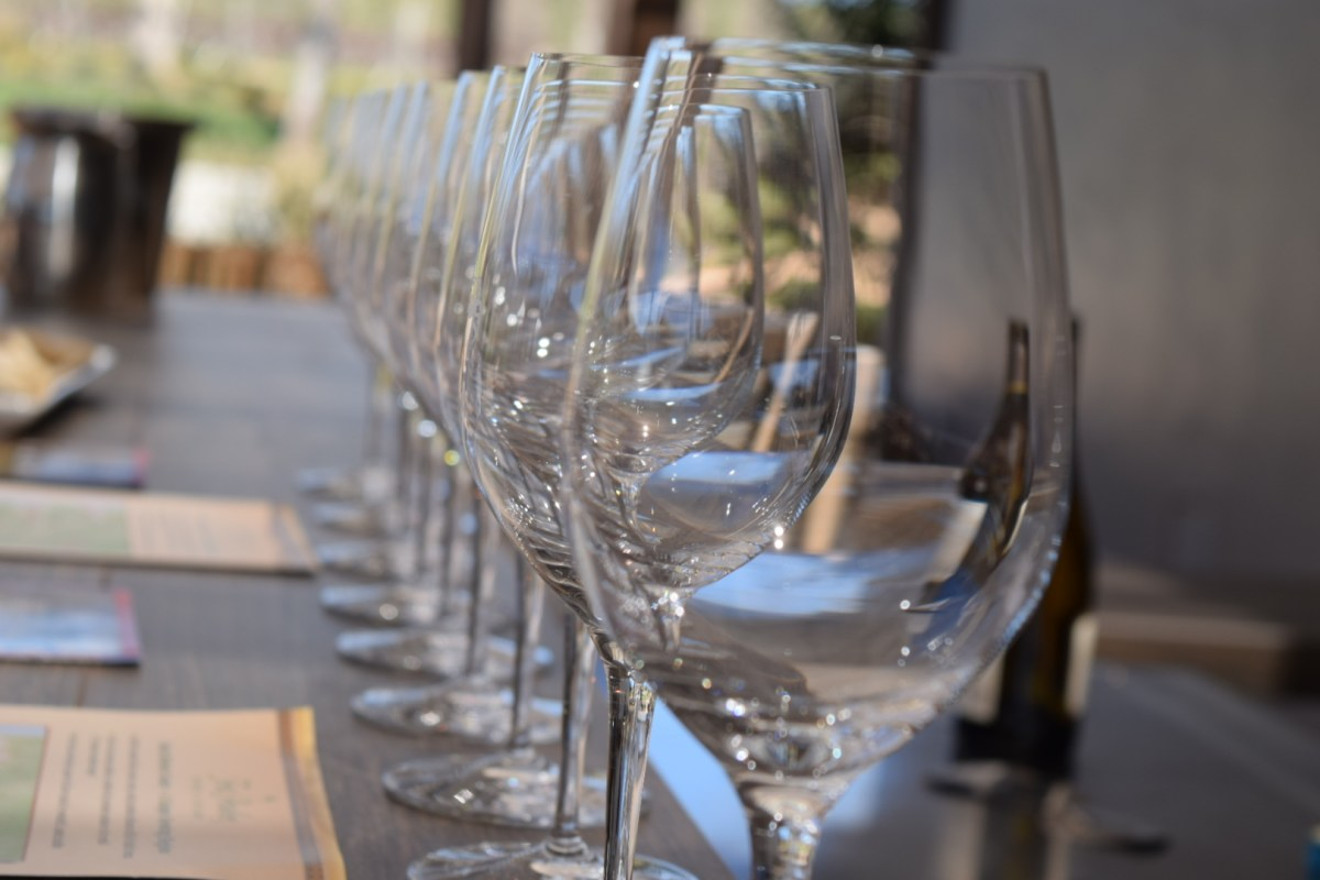 10 Things Not To Do at a Wine Tasting Room