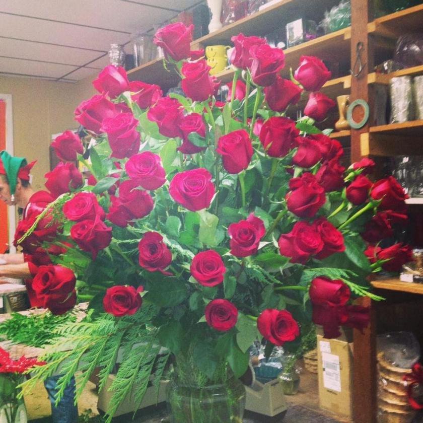 This image has an empty alt attribute; its file name is 3dfb1-roses.jpg