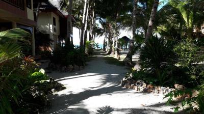 Treasure Island Beach Bungalows , San Juan, Siquijor