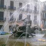 Siracusa: particolare della fontana di Diana in piazza Archimede