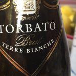 Il Torbato Terre Bianche, uno dei nostri vini estivi preferiti