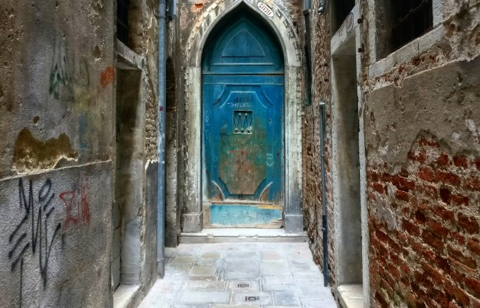 Castello Mystic Door