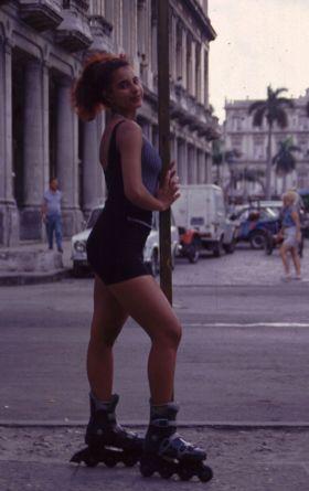 Quien maneja éstos patines por La Habana