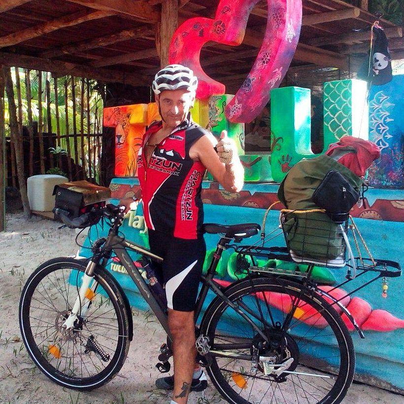 Llegada en bicicleta a Tulum
