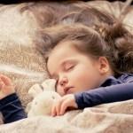眠る女の子_カフェインレス