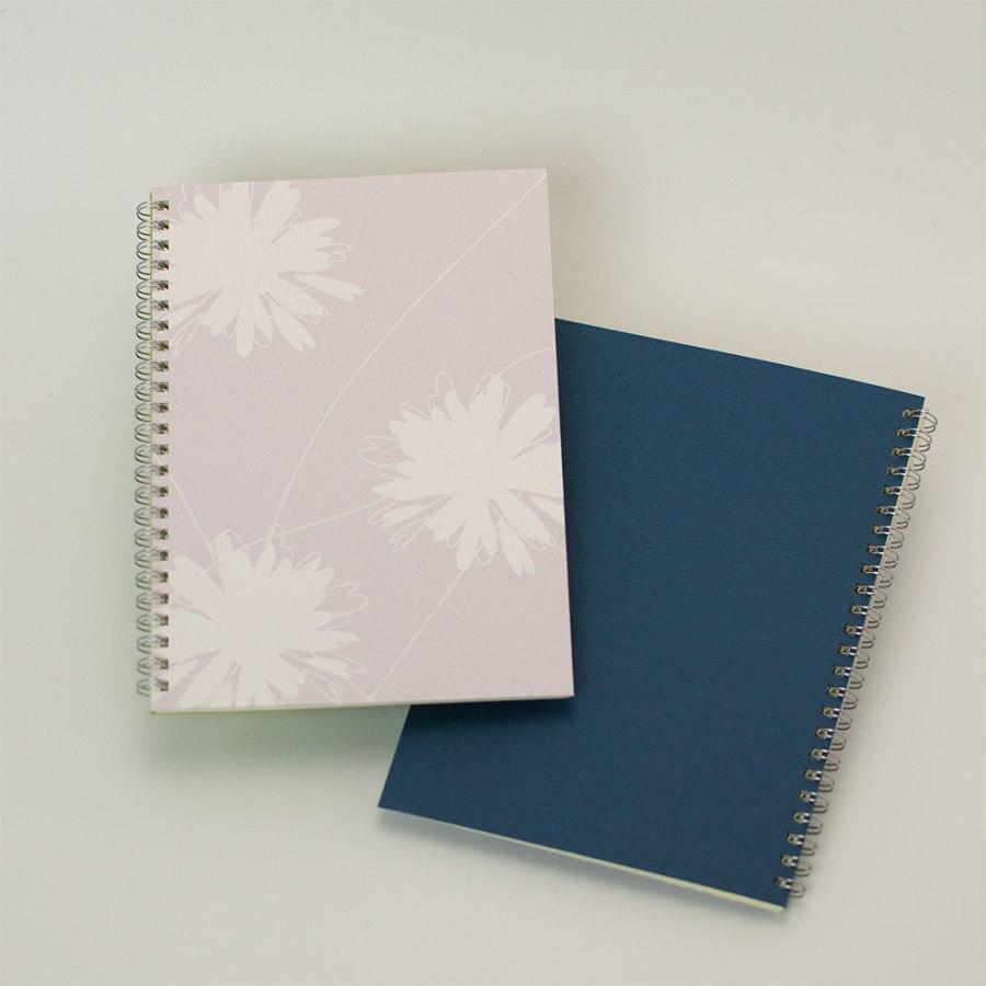 「hana ピンク」背表紙「濃青」