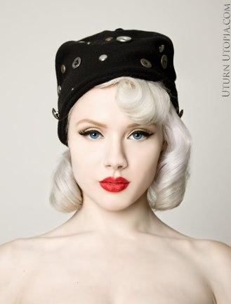 button-hat-miss-mosh-model-df