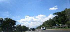 Langit biru cerah