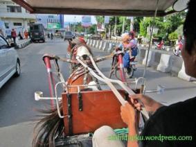 Meyusuri jalan-jalan kota Sukabumi...