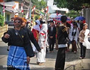Jawara mengawal karnaval