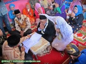 Alhamdulillah resmi menjadi suami istri.