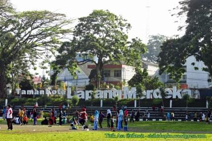 Namanya menjadi Taman Kota Lapang Merdeka.