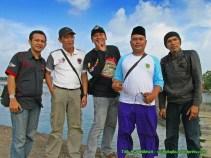 ki-ka: @fay_ruzz , saya, @bisot , @komarbekasi , Bang Doy. @ucie_yusuf1 yang mengambil foto.