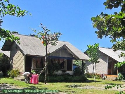 Vila-vila dipinggir Jalan Pangumbahan.