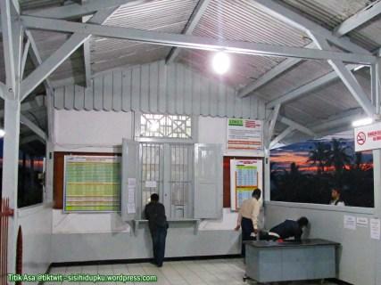 Stasiun Kereta Api Cisaat.