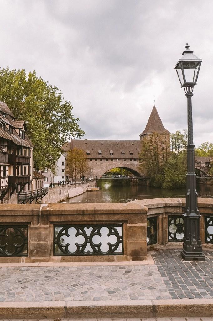 Von der Maxbrücke mit Blick auf den Kettensteg