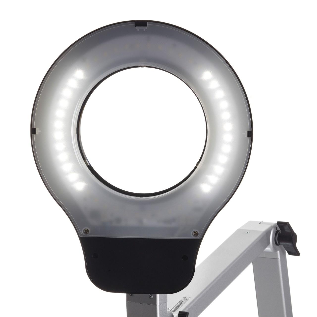 LED-Lupenleuchte SIS-Licht RLL MASTER Lichtszene seitlich