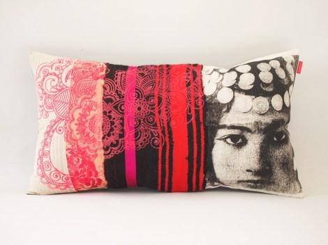 Coussin Nejma rouge, rose et noir – collection berbère – sissimorocco