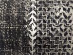 housse-de-coussin-patchwork-noir-et-blanc-serigraphie-argente-zoom