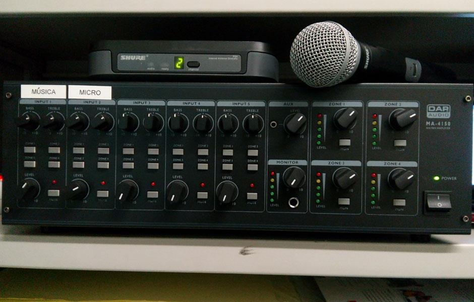 Sistema de control de la megafonía del Instituto Carles Vallbona