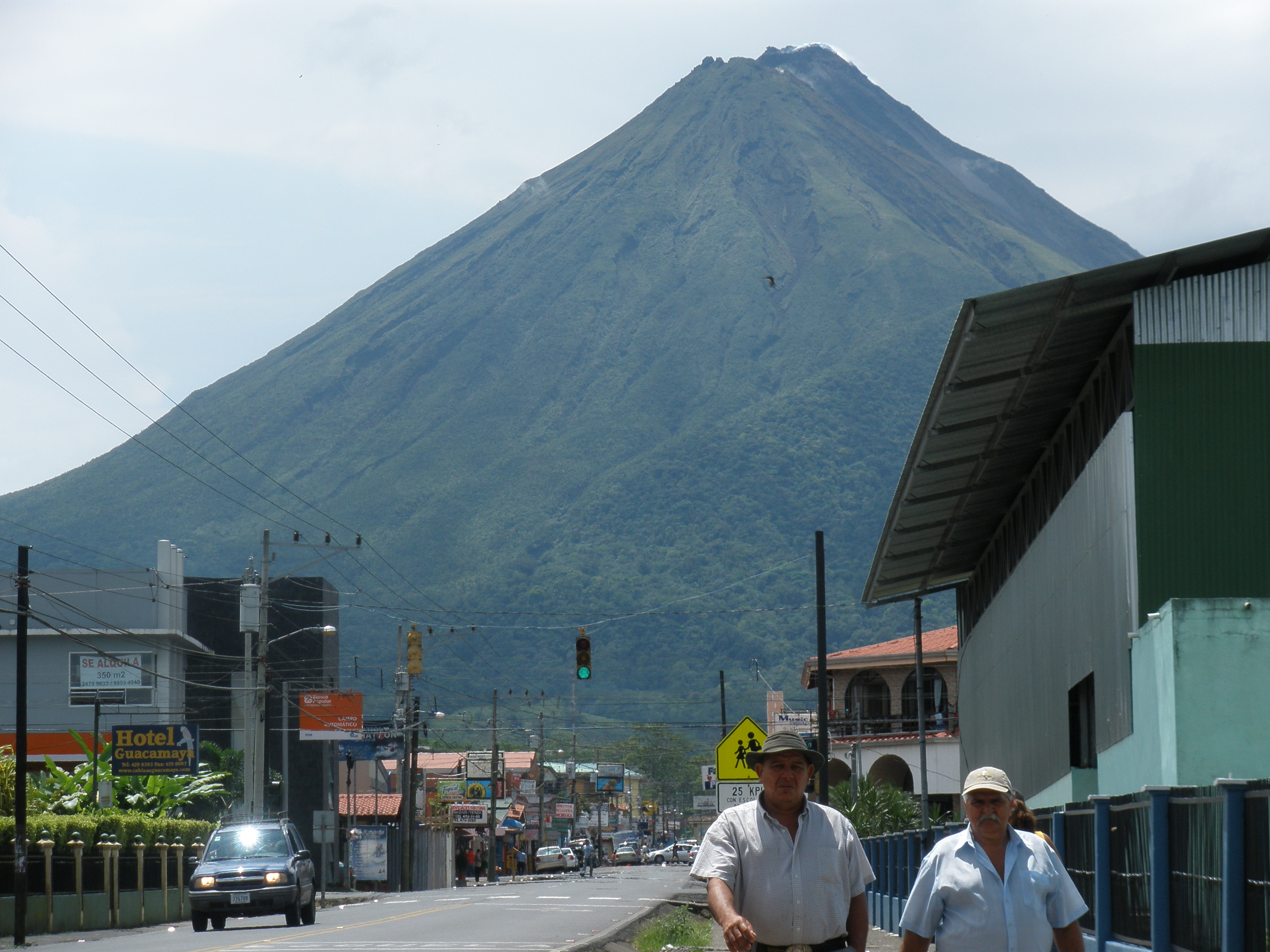 Daytime view of Volcan Arenal from La Fortuna