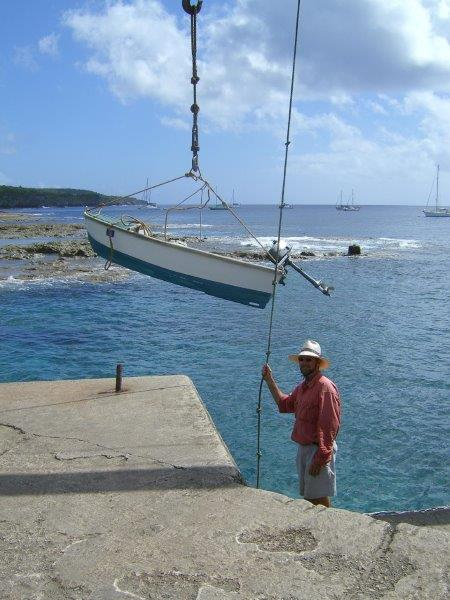 Lifting up the dinghy
