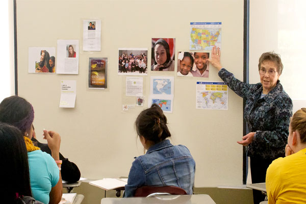 SCNY-Sister-Mary-Ellen-educating-students-about-human-trafficking