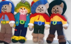 Knitted Puss and Scarecrow Toys