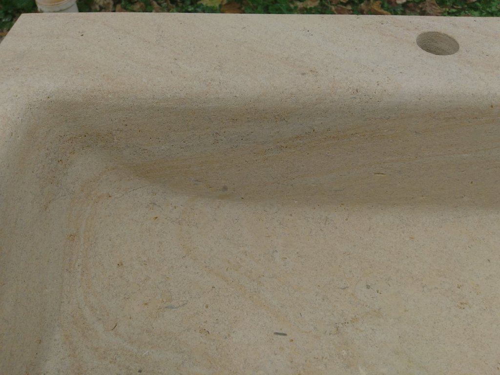 Evier en pierre de bourgogne