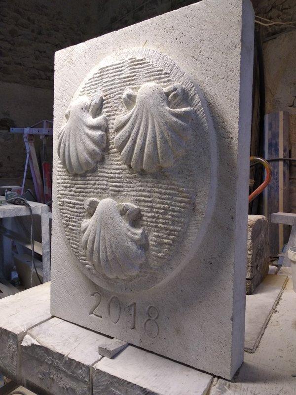 Blason de famille en pierre
