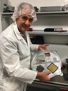David Bowman G0MRF pendant le test de l'antenne Patch Bande L